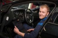 Portret automonteur, Subaru dealer
