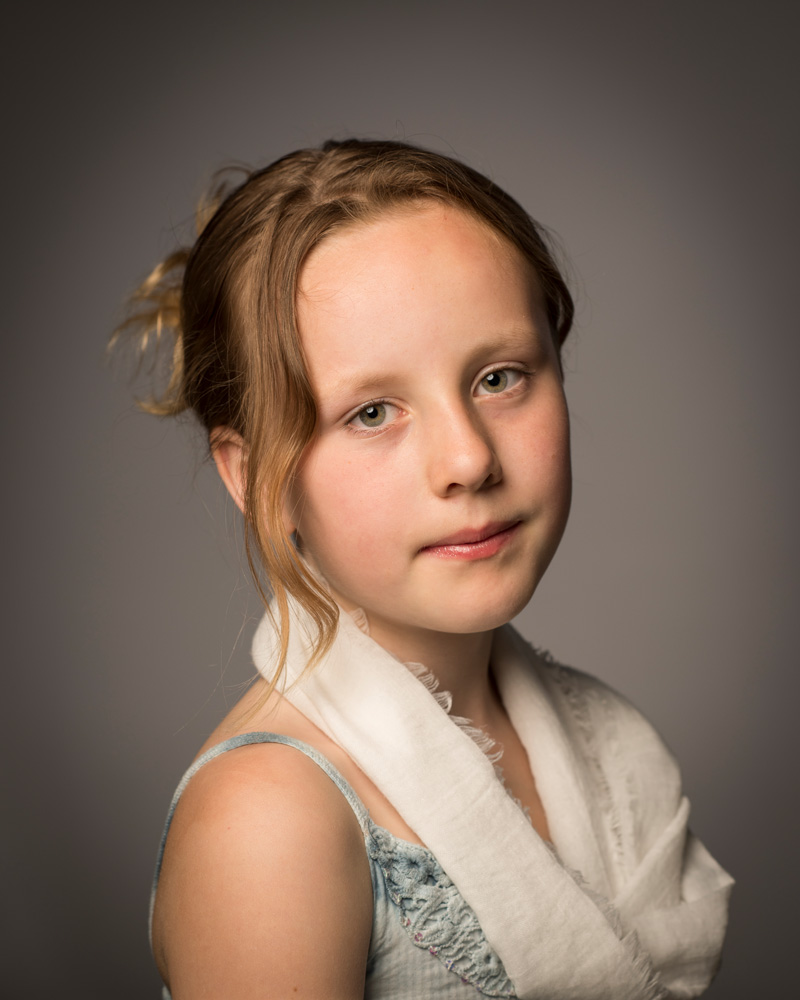 Portret foto meisje, studio opname, Rembrandt licht